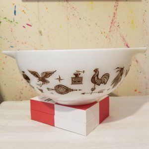 Pyrex 443 Early American Cinderella bowl